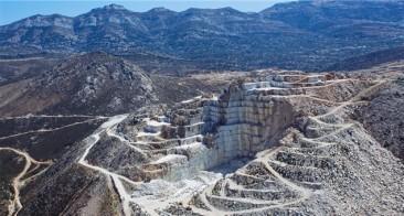 Marble to Marvel: Naxos's Crystalline