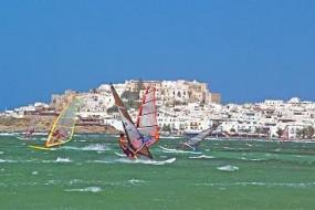 Kykladen-Insel Naxos: Surfparadies in Blau und Weiß